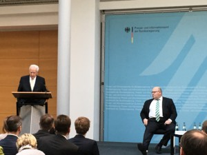 Dr. Klaus von Dohnanyi und Foto: Hans-J. Hinken