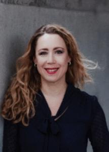 Iris Zeppezauer, die Autorin des Buches contra!