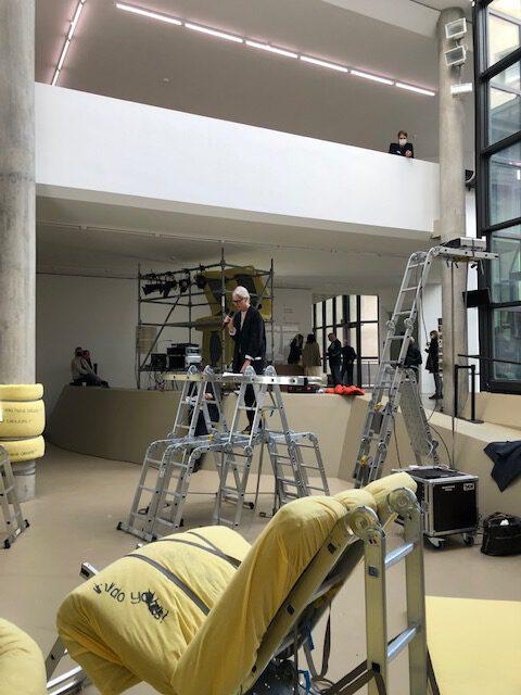 Blick in die Ausstellung. Kunstmuseum Basel 24 Stunden Beuys